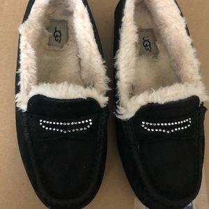 UGG Australia Black suede loafers sz 9